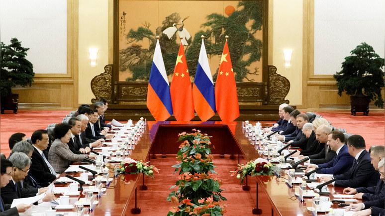 WSJ: от «русско-китайского исполина» Вашингтон спасёт только переоценка отношений с Москвой