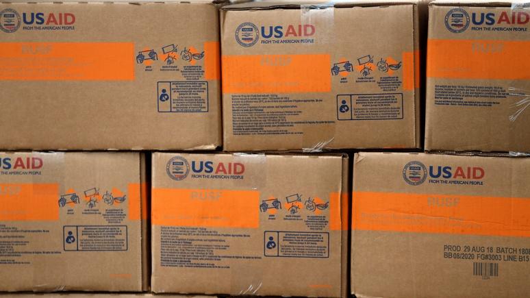 El Periódico: грузовики из США с едой и медикаментами для Венесуэлы — это никакая не гумпомощь