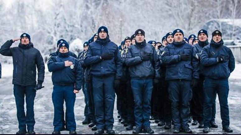 СТРАНА.UA: украинские полицейские породнились с Бандерой флешмобом в соцсетях