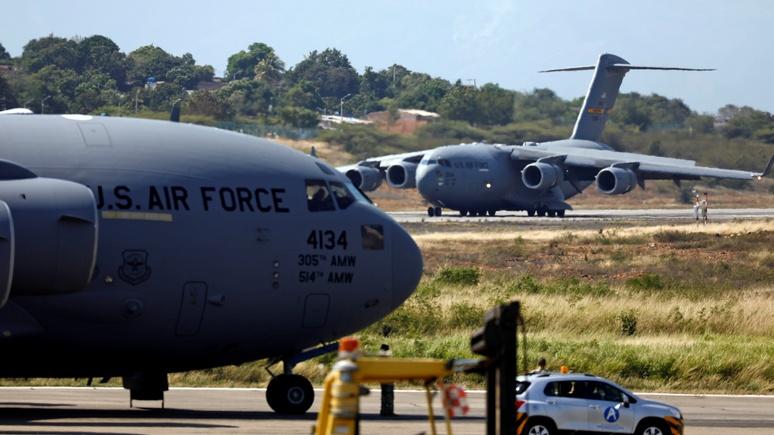 ABC: в Колумбию вместе с гумпомощью для Венесуэлы прибыли сотни американских военных