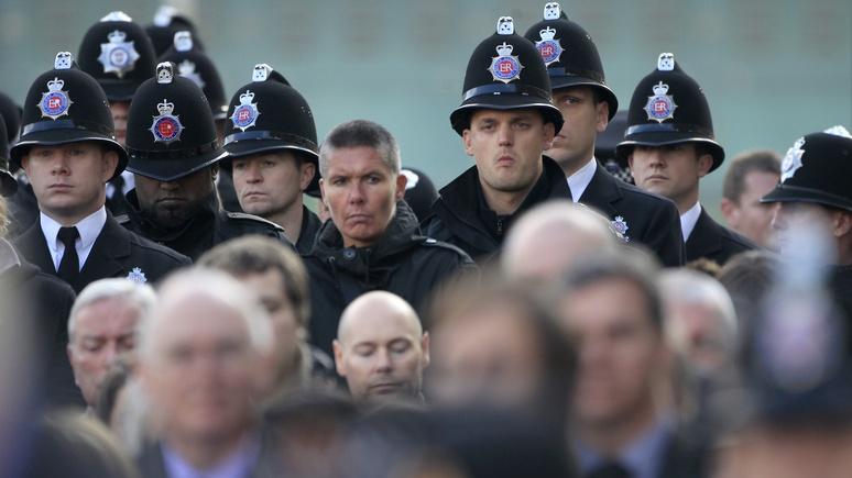 Independent: таких не берут в полисмены — белый мужчина засудил британскую полицию за дискриминацию