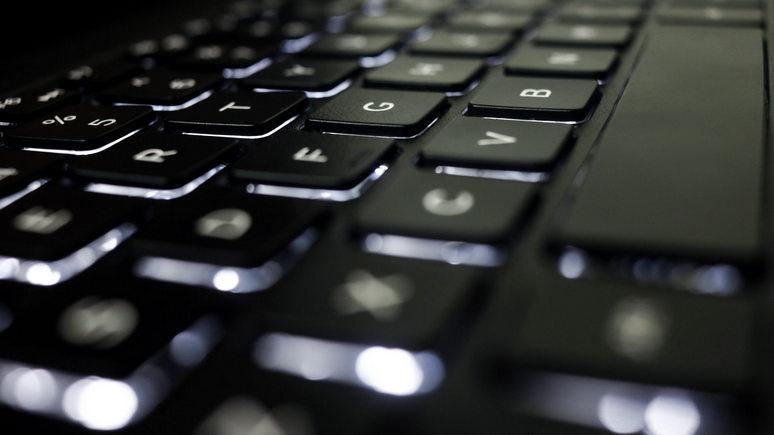Le Parisien: 15 человек против «фабрики троллей» — Евросоюз ведёт неравный бой с хакерами
