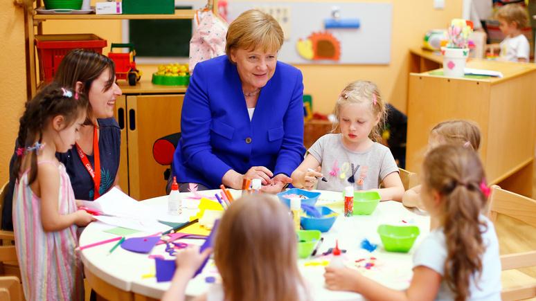 Handelsblatt: Европа окажется за «детским столом» мировой политики, если за себя не постоит