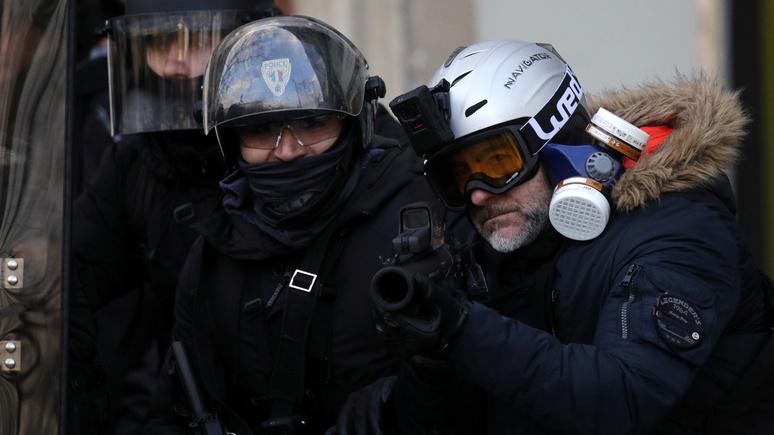 Boulevard Voltaire: правительство Макрона дрейфует в сторону репрессий при молчаливой поддержке СМИ