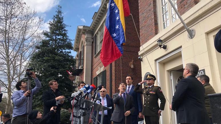 El País: дипломатические объекты Венесуэлы в США перешли под контроль Гуаидо