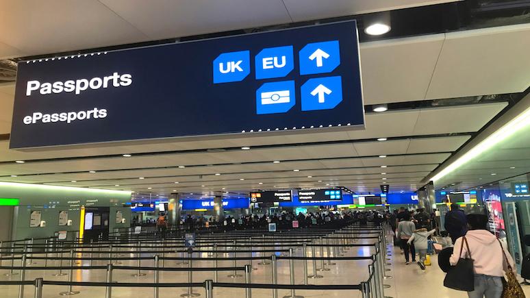 Guardian: ЕС введёт пограничный контроль для британцев в случае брексита без сделки