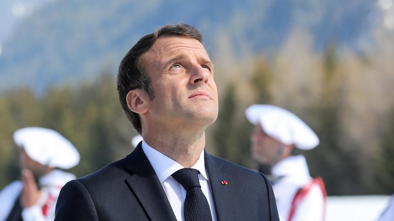 «Один, совсем один»: Le Parisien узнала о «смертельной усталости» Макрона, который «выжат как лимон»