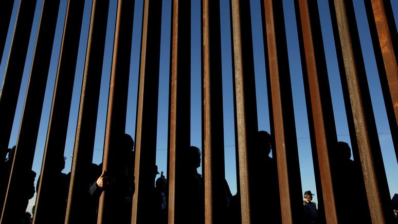 CTV: Трамп направился на границу с Мексикой в надежде, что стена поможет ему в президентской кaмпании 2020