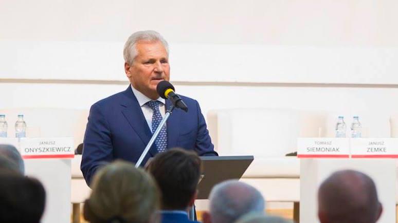 Экс-президент Польши: у Зеленского нет опыта в политике, но не стоит сбрасывать его со счетов