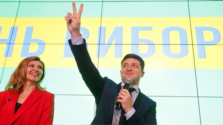 Guardian: Зеленский пообещал украинский паспорт тем, кто «страдает» в России