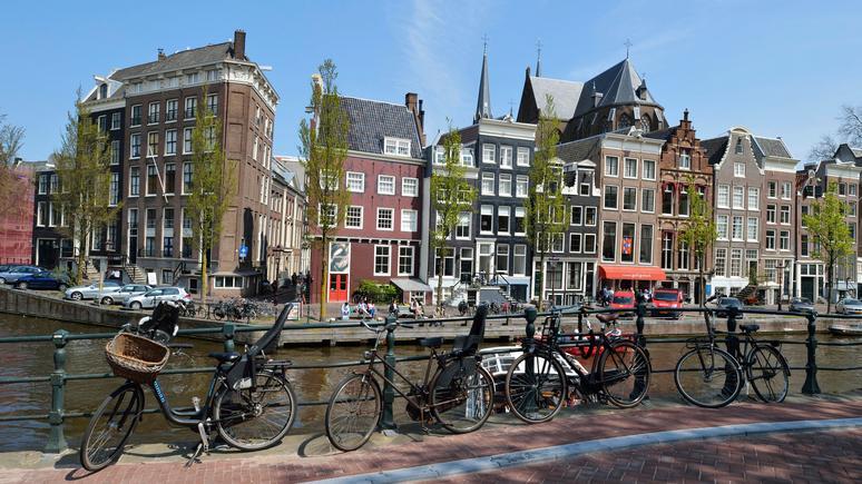 «Спасти Амстердам»: Голландия намерена бороться с туристическим засильем