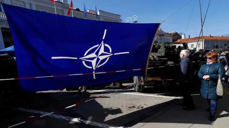 Бывший министр обороны Польши: никакой армии у ЕС нет и никогда не будет