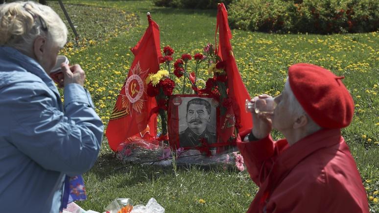 Писатель: популярность Сталина в России поражает, и авторитарные тенденции в мире набирают силу