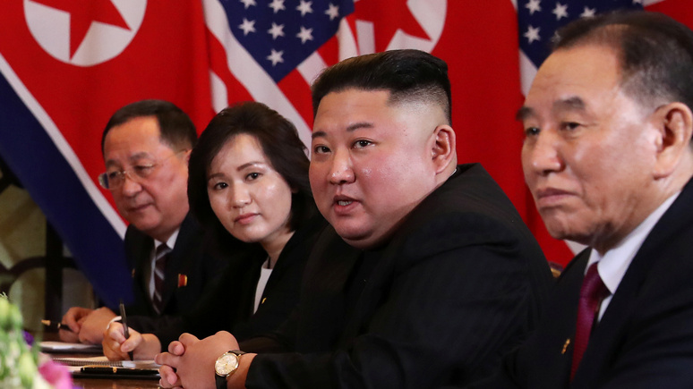 NYT: «отправленный на каторгу» северокорейский чиновник появился на публике в компании Кима