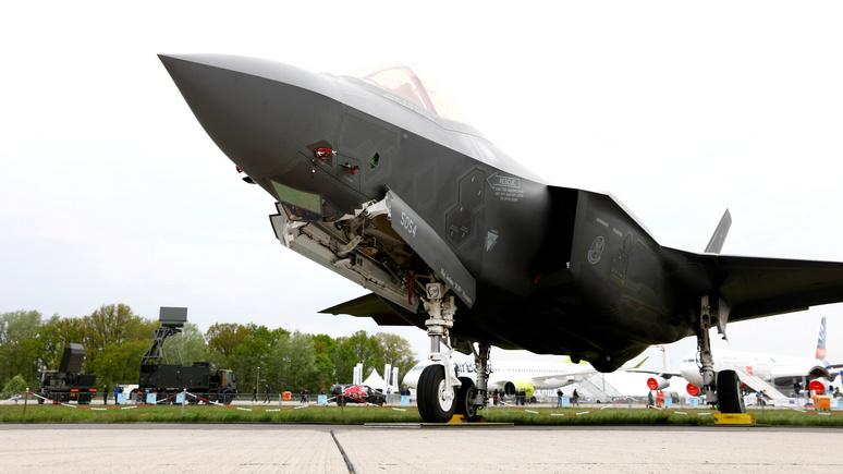 Daily Sabah: Пентагон отстранил турецких лётчиков от полётов на F-35