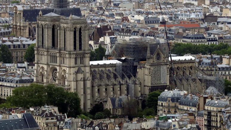 Le Figaro: в Нотр-Даме проведут первую мессу после пожара