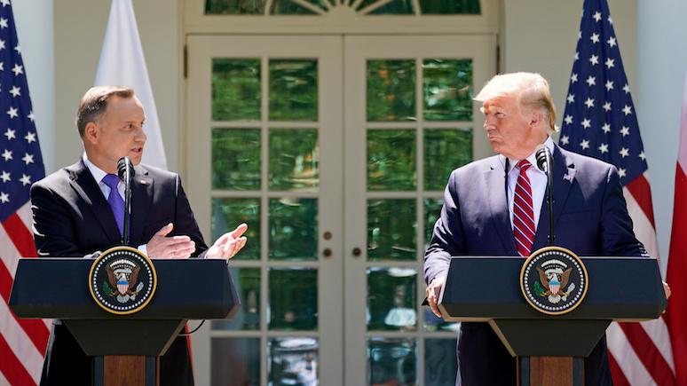 Wyborcza: Дуда накупил «ненужной безопасности» у Трампа — как клиент в скидочный день