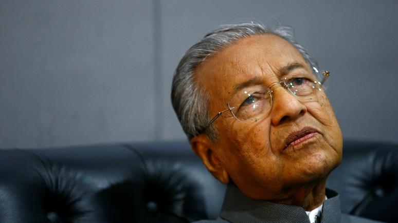 Bloomberg: премьер-министр Малайзии назвал обвинения против России по MH17 бездоказательными