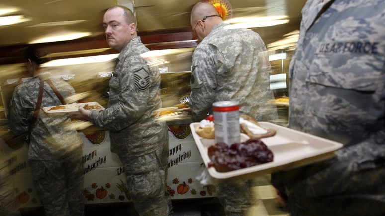 MT: вместо пиццы и пива салаты с авокадо — с лишним весом американских военных планируют бороться новой диетой