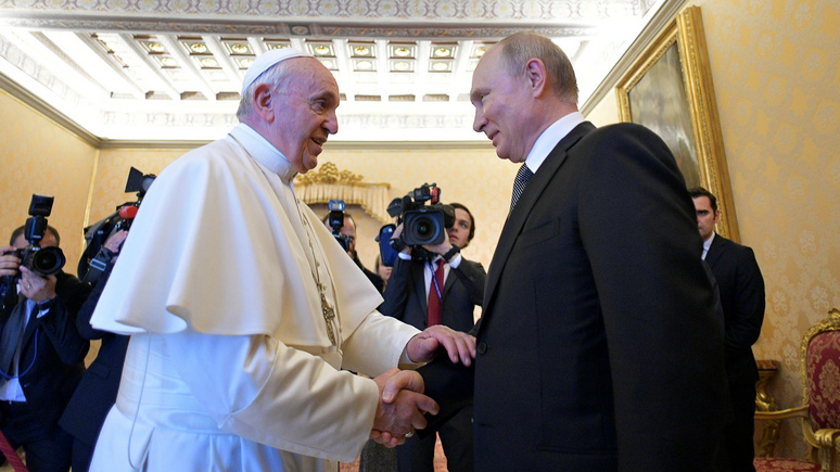 RFI: чтобы обсудить с Путиным мировые проблемы, Папе Римскому пришлось ждать почти час