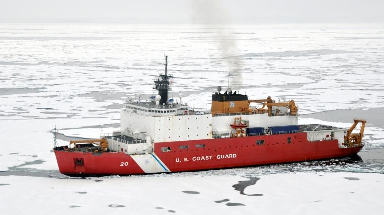 National Review: по мере таяния льдов Россия и США всё агрессивнее устремляются в Арктику