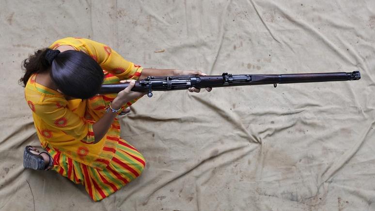 Bloomberg: рупия рупь бережёт — Москва и Дели откажутся от доллара в оборонных контрактах