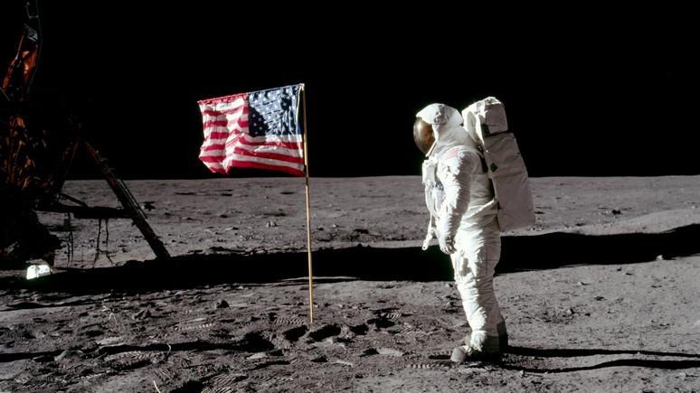 Американский профессор: лунные экспедиции США не стоили потраченных средств