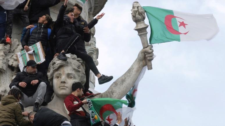 «К чёрту Францию!» — Le Figaro об утрате национальной идентичности из-за мигрантов