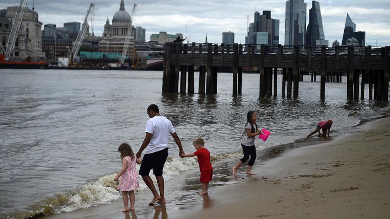 Times: от жары спасаться негде — в Великобритании не осталось чистых рек