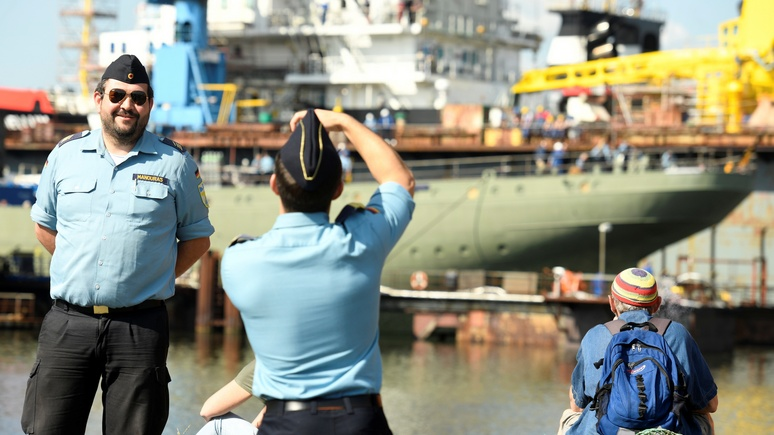 Бундесвер обеспокоен: смартфоны и фитнес-трекеры угрожают безопасности военных
