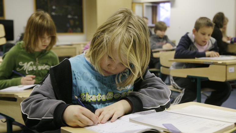 Guardian: брексит без сделки может помешать работе британских школ