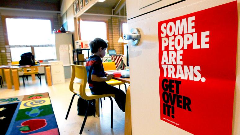 Times: в Великобритании растёт беспокойство по поводу ЛГБТ-обучения в школах