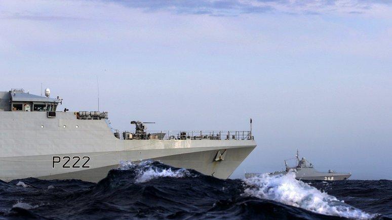 Guardian: британский патрульный корабль сопроводил российский корвет в Ла-Манше