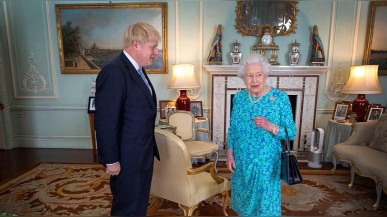 Times: «не умеют управлять» — Елизавету II разочаровали британские политики