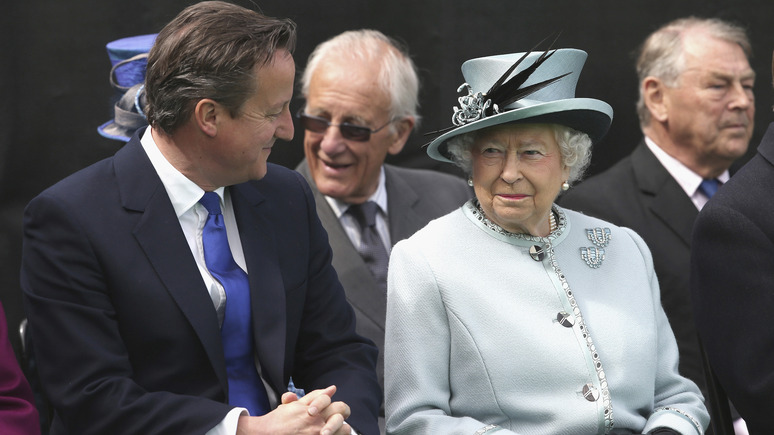 Times: Букингемский дворец отчитал Кэмерона за огласку разговоров с королевой — ИноТВ