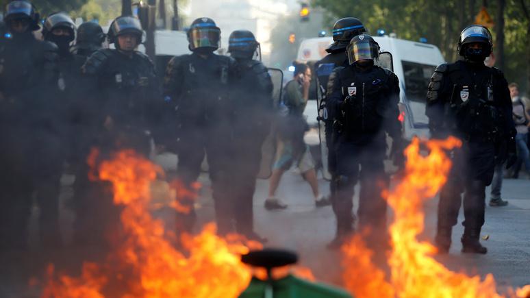 Le Monde: новые протестные акции в Париже закончились массовыми задержаниями