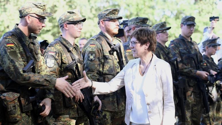 CM: новый министр обороны Германии вместе с НАТО готовится к третьей мировой с Россией