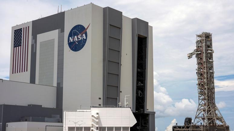 Wall Street Journal призвала США не помогать России добраться до Луны