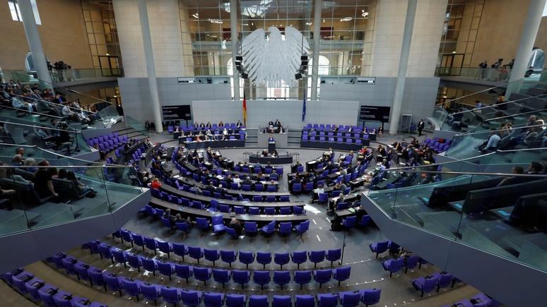 N-TV: бундестаг дорого обходится Германии, но продолжает плодить депутатов и расходы