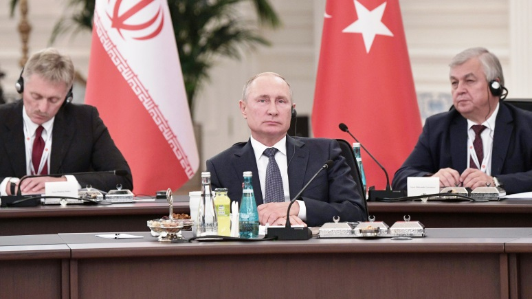 WSJ: скандал из-за Украины в Вашингтоне вызывает у Путина улыбку