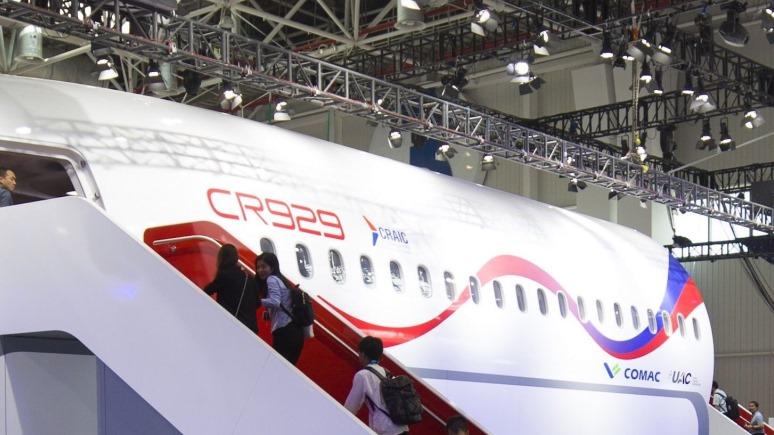 FP: холодная война Востока и Запада в небесах угрожает пассажирам и авиакомпаниям