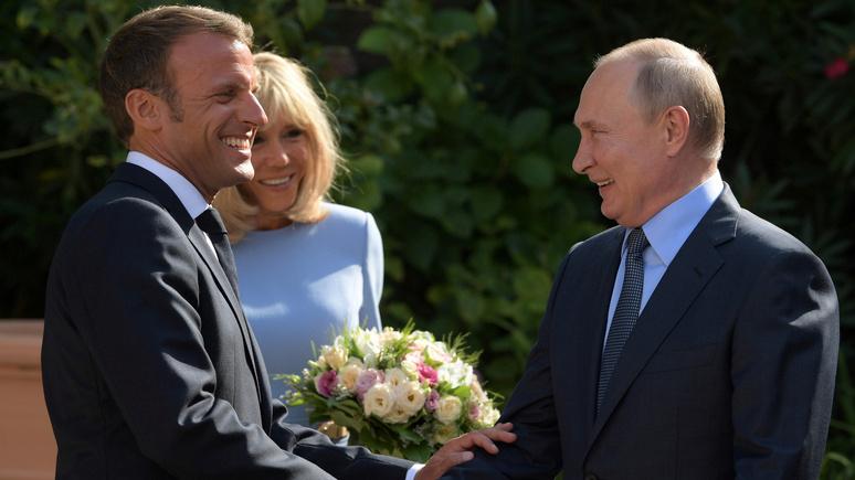 Reuters: курс Макрона на сближение с Россией может расколоть ЕС