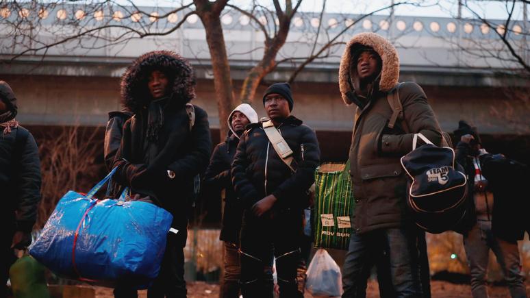 Le Figaro: несмотря на закон, мигрантов во Франции меньше не становится