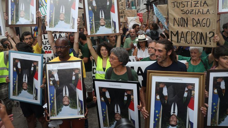 L'Obs: экоактивисты заплатят по 500 евро за снятые портреты Макрона