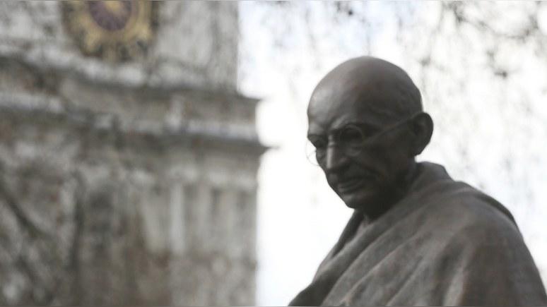 Daily Mail: британские студенты выступили против памятника «расисту» Ганди