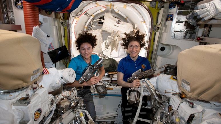 В космос — только девушкам: астронавтки NASA вошли в историю
