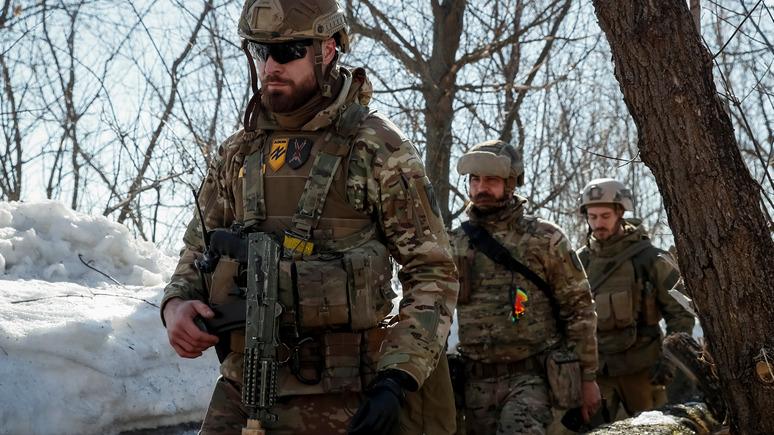 24 канал: американские конгрессмены требуют внести «Азов» в список террористических группировок