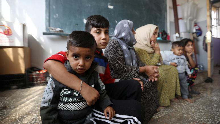 «Гуманитарный кризис поразительных масштабов» — MSNBC о судьбе курдов после ухода американских союзников