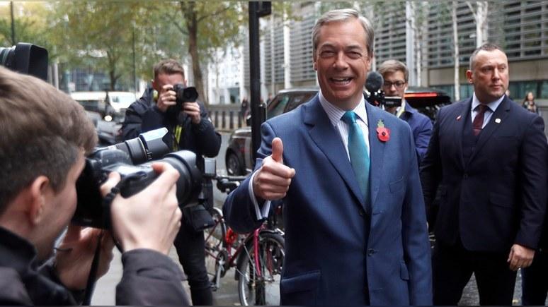 Daily Mail: Фарадж призвал Джонсона отказаться от «предательской» сделки с ЕС и объединиться