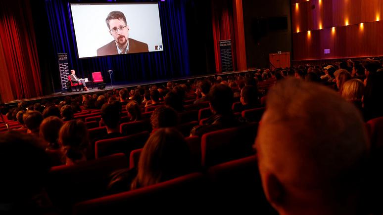 Сноуден: Facebook занимается тем же самым, что и АНБ — слежкой